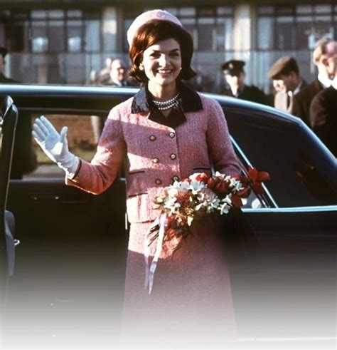 12 Fascinating Facts About Jackie Kennedy's Iconic Pink Suit | セレブ