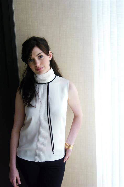 Anne Hathaway pictures gallery (17)   Film Actresses